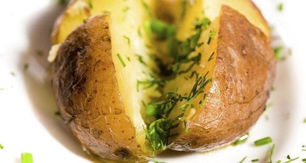Печеный картофель — вкусно, доступно и полезно