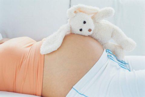 Во время беременности наблюдается снижение уровня ТТГ. Его показатели возвращаются к норме спустя 2-3 месяца после родов