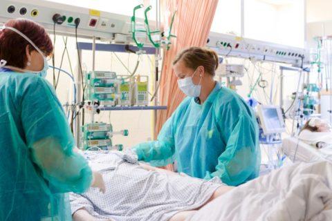 Лечение больных с гипотиреоидной комой проводится в условиях стационара
