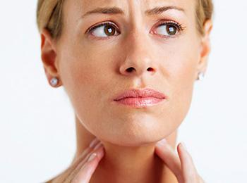 Причины боли в щитовидной железе