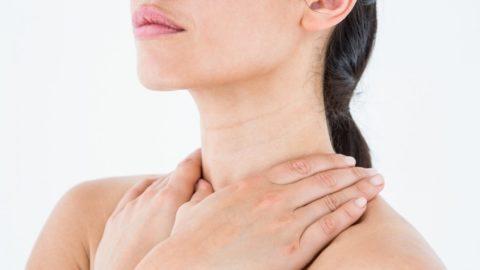 Заболевания щитовидной железы у прекрасной половины человечества могут проявляться различными симптомами