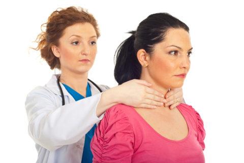 Пальпация щитовидной железы – важный метод обследования.