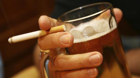 Вредные привычки могут спровоцировать злокачественное перерождение клеток щитовидки