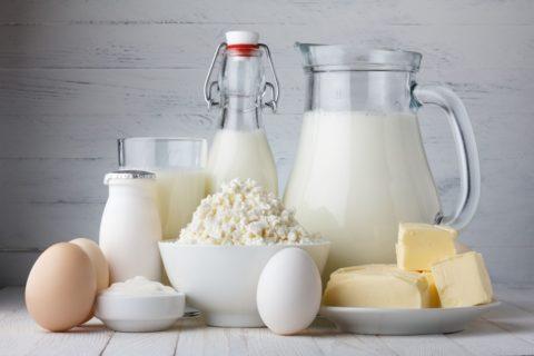 Молоко и молочные продукты тоже являются источниками йода