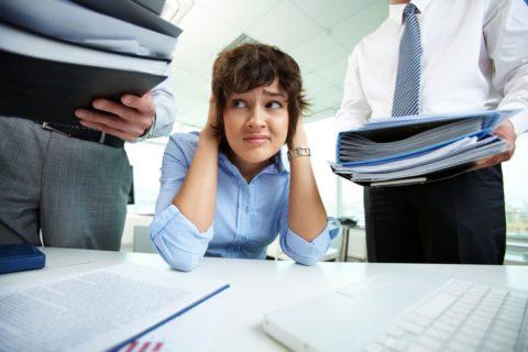На развитие кисты может повлиять даже стресс на работе