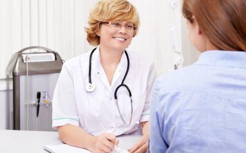 На вопрос «Можно ли сдавать ТТГ при месячных?» эндокринологи отвечают утвердительно