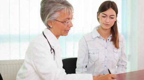 Женщины с эндокринными заболеваниями сталкиваются чаще, чем мужчины
