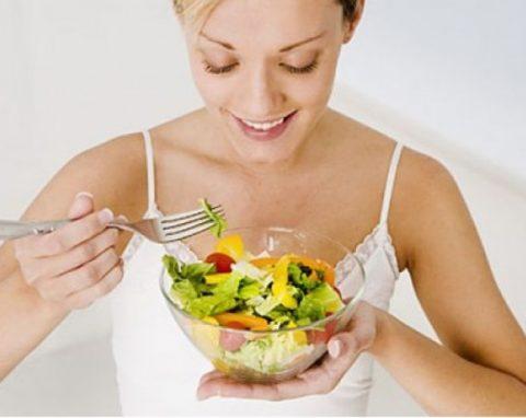 При аутоиммунном тиреоидите диета должна включать все необходимые витамины и минералы