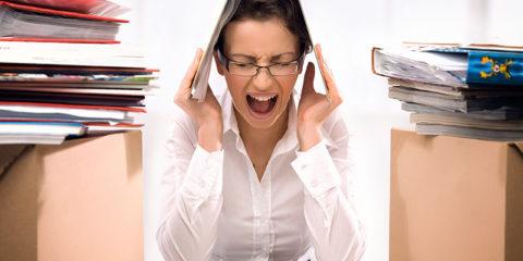 Сильный стресс является одной из причин, провоцирующих развитие диффузно-токсического зоба