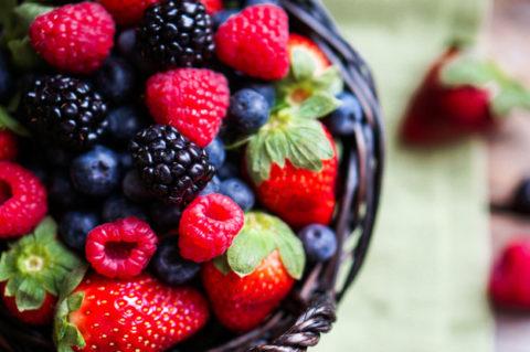 Свежие ягоды также могут помочь похудеть