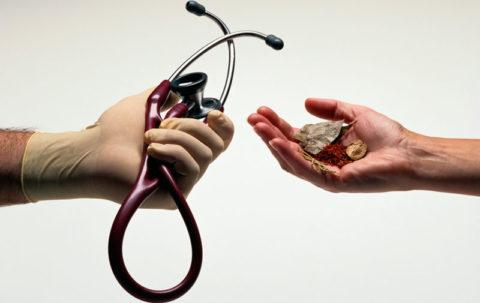 Народные средства таят в себе большую опасность при эндокринных нарушениях