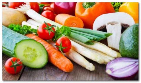 Наличие сырых овощей и фруктов очень важно
