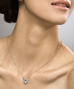 Чрезмерное разрастание тканей щитовидки также является причиной кистообразования
