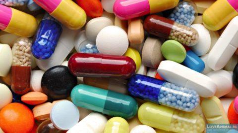Гормональные препараты эффективно применяются для устранения токсического зоба на ранней стадии.