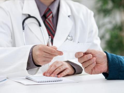 Порекомендовать пройти УЗИ пациенту должен врач