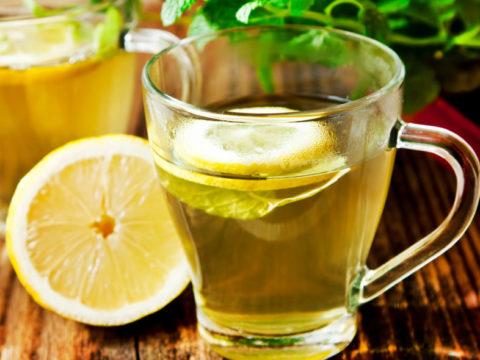 Все напитки при гипотиреозе нужно употреблять в нормированных объемах.
