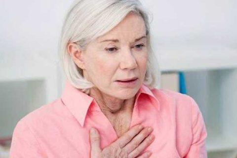 Затрудненное дыхание – один из симптомов поражения щитовидки.