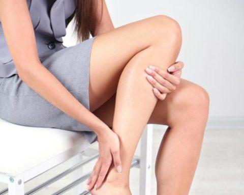 Больная щитовидка может вызвать покалывание и гул в ногах