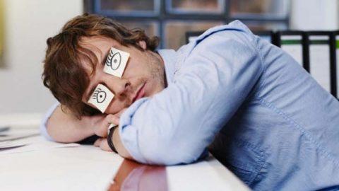 Постоянная сонливость также может указывать на наличие кальцинатов в щитовидной железе