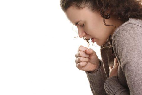 Неприятные ощущения в горле от вишнёвого чая появляются при самолечении или неправильном соблюдении пропорций при приготовлении.