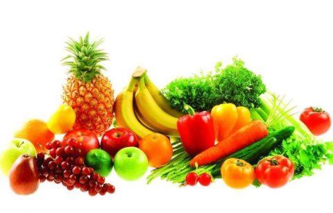 Предотвратить набор лишней массы тела помогут свежие овощи и фрукты.