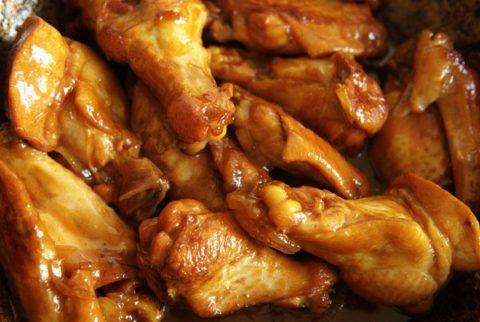 Употребление жирной пищи при гипотиреозе не является допустимым категорически.
