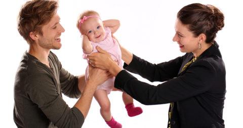 Фото. У взрослых и детей гипертиреоз имеет свои особенности