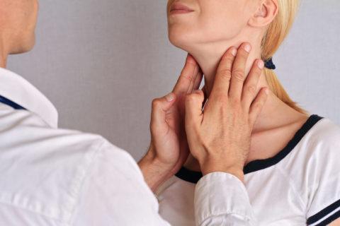 Какие симптомы являются поводом для экстренного обращения к специалисту.