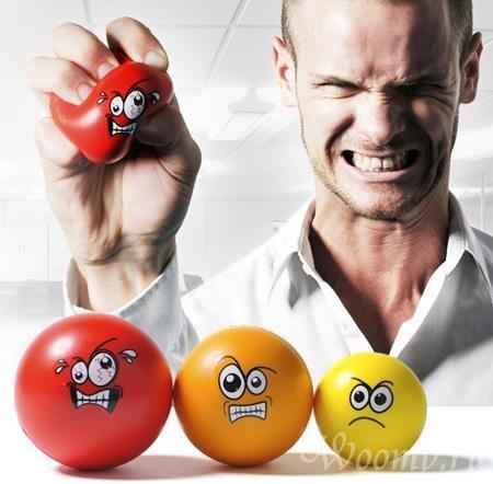Нервозность и раздражительность могут быть первыми симптомами нарушения работы щитовидной железы.