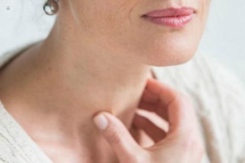 Определение титра онкомаркеров в крови назначают при подозрении возникновения раковой опухоли щитовидной железы