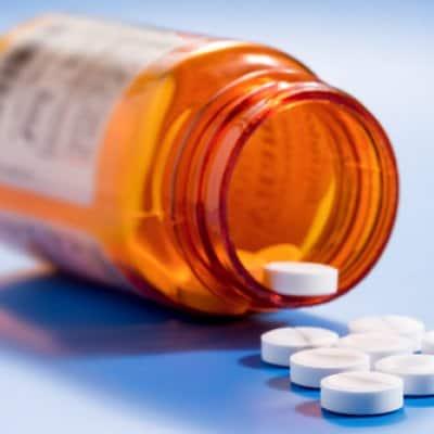 Отказаться от приема гормональных препаратов