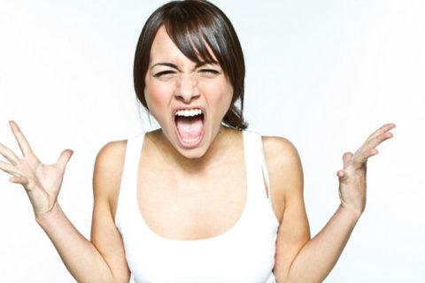 Повышенная раздражительность может быть признаком гипертиреоза