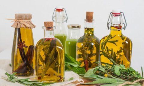 Справиться с узлами щитовидки помогут действенные рецепты народной медицины.