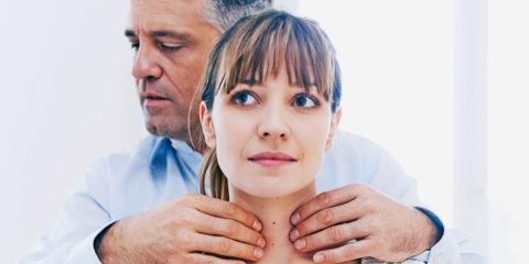 Существует несколько методик пальпации щитовидки