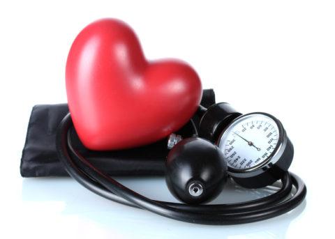 Существует прямая связь между количеством гормонов в крови и уровнем артериального давления.