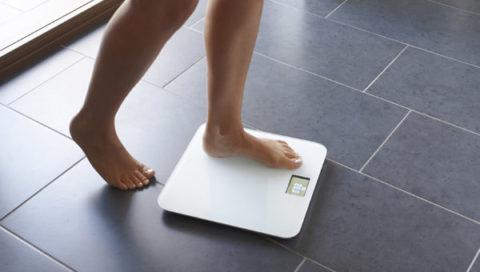 Увеличение веса при гормональных сбоях – часто встречающийся симптом, поэтому сбалансированное питание необходимо.