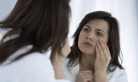 Заболевание может возникнуть на фоне послеродовой депрессии.