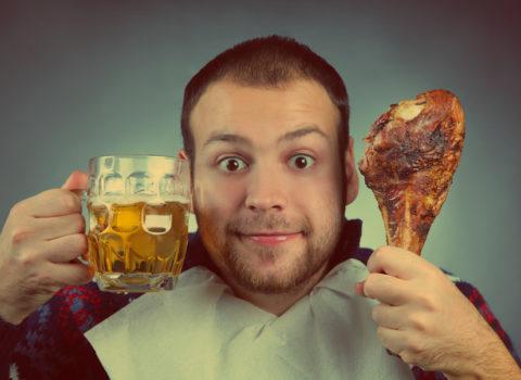Алкоголь и жирная пища должны быть исключены из рациона не позднее, чем за 24 часа до забора крови для анализа на тиреоидные гормоны