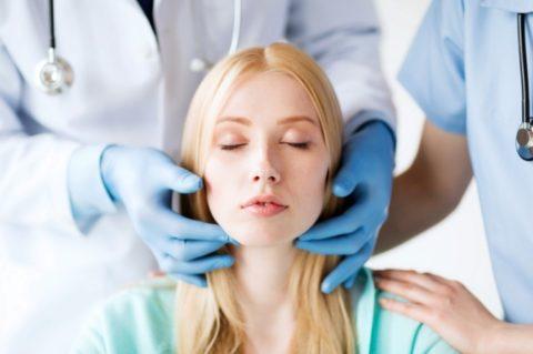 Проверку щитовидки лучше доверить специалисту