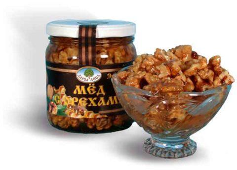 Мед с орехами – хорошее лечебное средство